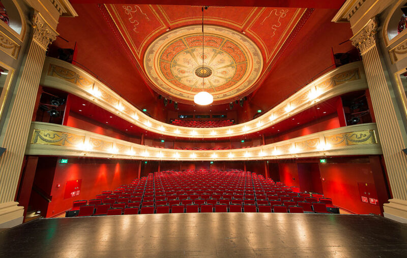 Stadttheater in Kempten mit elektronischen Raumakustiksystem